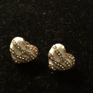GOLD TONE HEART/WHITE ENAMEL CLEAR GEMS EARRINGS